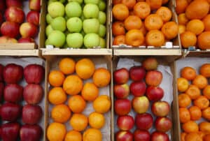 Selling-fruits-000004023032_Medium